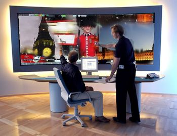 London-computer-web