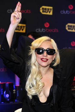 Lady+Gaga+CD+Signing+Monster+Best+Buy+VuwS0O2K8C1l