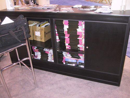 Magazines-break-the-desk